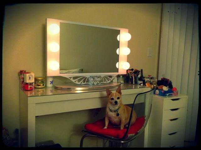 Lighted makeup mirror vanity girl world real vanity girl of san jose aloadofball Images