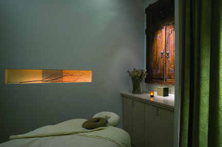 exhale spa's facial room ...